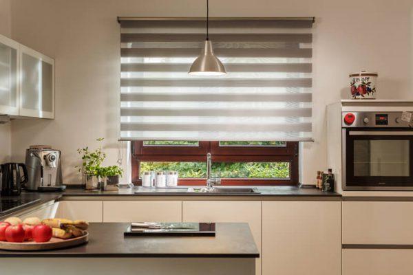 Doppelrollo in einer Küche
