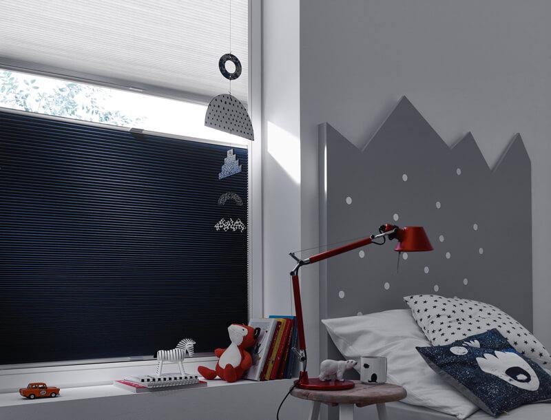 plissees f r tag und nacht. Black Bedroom Furniture Sets. Home Design Ideas